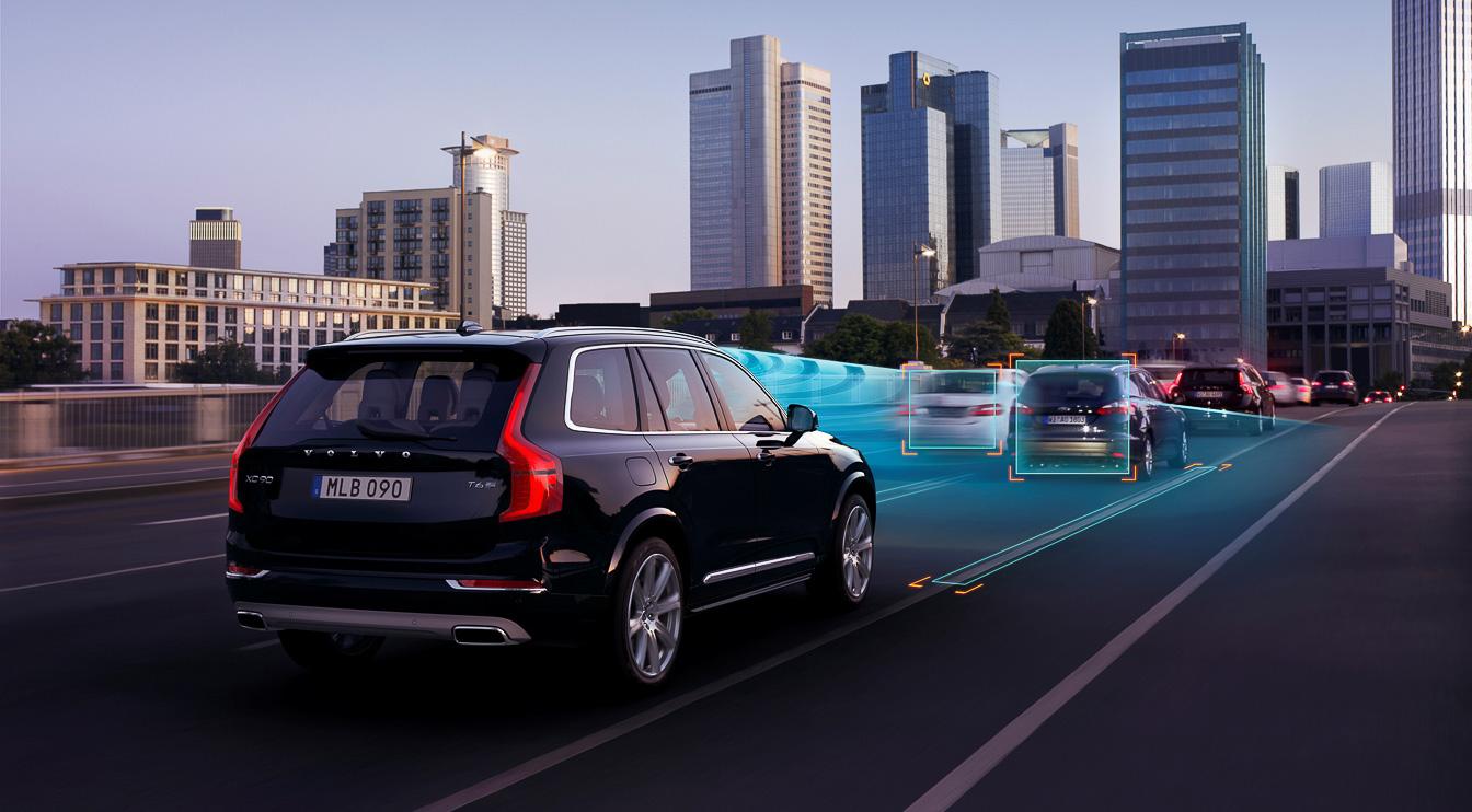 Volvo_self-driving